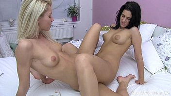 Sexy lesbian teens pleasing pussies