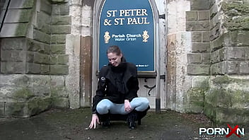 Amateur teen pissing her pants