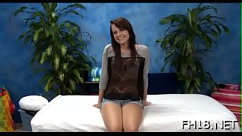 Astonishing lady Alexis Tyler cums while riding