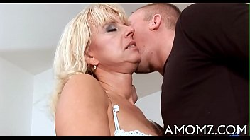 Sultry mama screwed by a sexy guy 5分钟