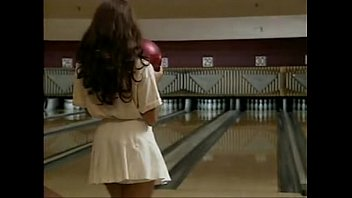 Lisa raye mccoy nude picture Nude bowling party 1995