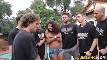 Ebony bukkake cum swaping vids - Zoey reyes gives blowjob to a group of horny white men