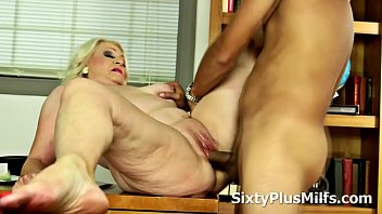 xx5 Old Slut Likes to Ride Younger Cock