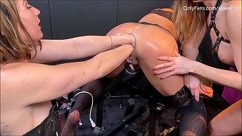 Triple Fisting and a Hot Blowjob *** SiswetLive.com/siswet19