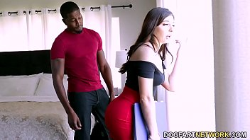 Keira Croft Gives Her Ass To Sell A House 8分钟