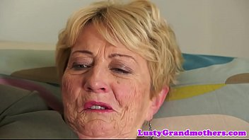 Hairy granny missionary fuck videos Chubby cougar fucked and jizzed on pussy