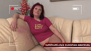 Mature piss drinking - Amateur extreme pee casting
