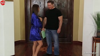 Rich Housewife Loves Cheating