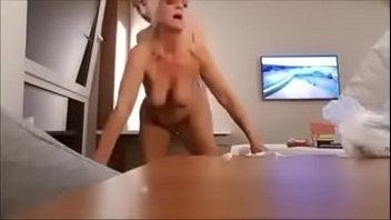 german hotwife cheats with big cock in hotel - Full Video on CamBova.com Vorschaubild