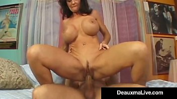 Where to lick vagina Texas cougar deauxma squirts from her creaming hot pussy