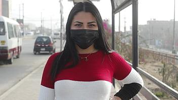 Big ass Venezuelan Ginezflowrs lost in Lima tries her first black cock with unknown brunette