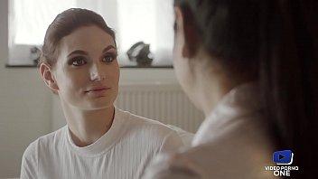 Mariska, aime pimenter sa vie sexuelle avec son mari thumbnail