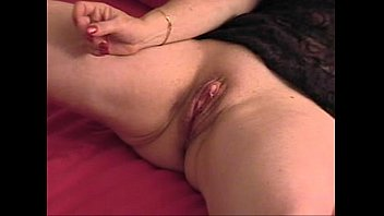 (i l l) linda might #2 (amateur home-made - huge clit - big nipples - xxx) thumbnail