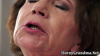 Granny interracial fucked porno izle