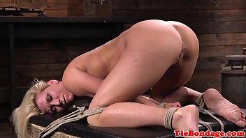 Blonde bdsm sub whipped till she squirts Vorschaubild