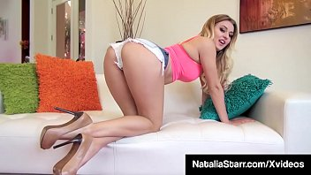 Finger Fucking Natalia Starr Rubs Her Clit To Total Orgasm!