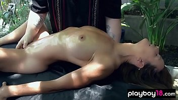 Professional masseur introducing his Yoni technique