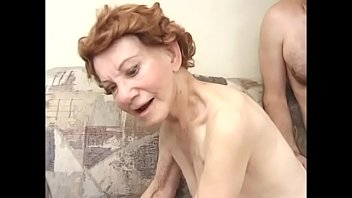 Redhaired old geezer Gigi ordered fitness ball from sporting goods store and guy from door-to-door delivery service showed her the best way it can be used