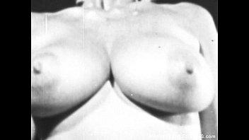 Retro pornstar with bigtits fucked by bigcock Vorschaubild