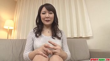 Hinata Komine gets stiff toys in her mature pussy and ass - More at Japanesemamas com 12分钟