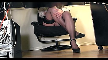 Pantyhose under trousers - Secretary underdesk compilation