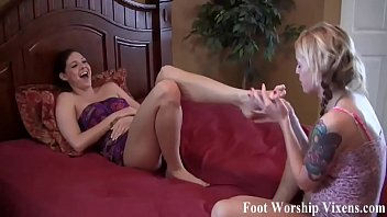 Let me pop your purple toes in my warm wet mouth