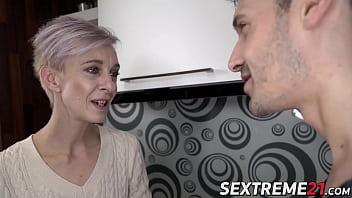 Fit mature babe seduces young stud into hardcore sex porno izle