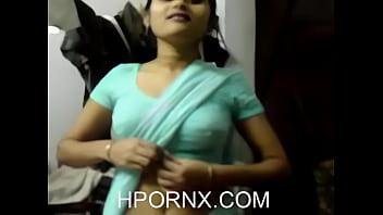 Indian Girl In Saree Seducing (New)