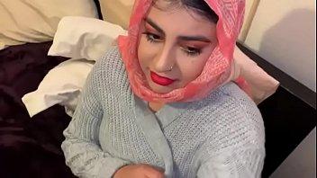 Arabian Beauty Doing Blowjob...