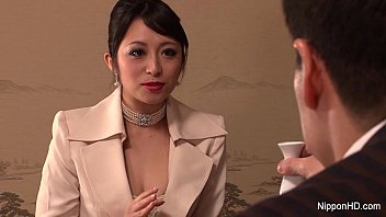 Japanese Business babe gets fucked - 69VClub.Com
