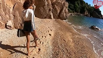 Streaming Video Public Beach Hidden Blowjob - XLXX.video