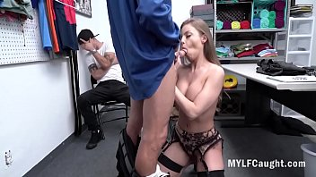 MILF Fucks Cop In Front Of Son- Britney Amber 8分钟