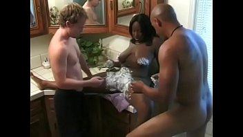 Ebony slut Skyy enjoying DP 21 min