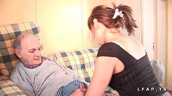 Jolie e pute francaise sodomisee dans un plan a 3 avec ejac bale de papy