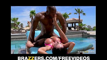 Bikini Latina Ariella Ferrera daydreams about fucking her poolboy