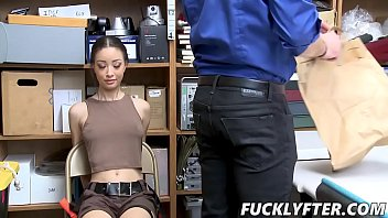 Scarlett Bloom In Case No 1022193