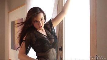 Babes.com - BREATHTAKING LIZ - Elizabeth Marx 8 min