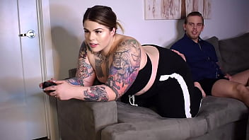 BBW Gamer Girl Sugarbooty gets FUCKED by hung Steve Rickz