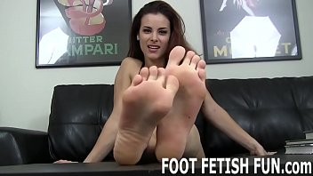 I want you to get really naughty with my feet