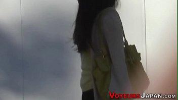 Japanese babe rubs cunt porno izle