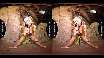 Solo girl, Daphne Klyde is moaning while cumming, in VR