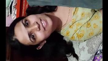 Bangladeshi Women 'LOPA' Hot & Sexy look