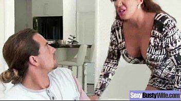 (Richelle Ryan) Sexy Mommy With Big Round Boobs Enjoy Sex Movie-23