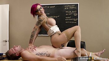 Brazzers - Naughty teacher Anna Bell Peaks loves cock porno izle