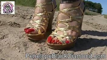 Penelope Black Diamond Bikini Leggins & altın Yüksek Topuklar Önizleme lezbiyen masaj sex