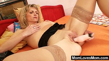 Mature leggy Gorgeous blond amateur milf first time video
