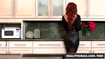 Sexy ginger milf (Janet Mason) gets (Levi Cashs) y. cock - Reality Kings 8分钟
