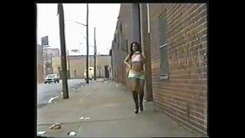 What is her name? Lightskin booty anal girl – gangbang