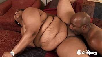 BBW Has Her Big Fat Pussy Eaten Out