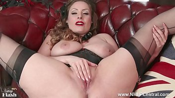 Natural big tits brunette wanks in nylon pornhub video